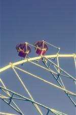 Ferris wheels, seats, sky