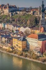 Germany, Bayern, Salzach River, Burghausen, city