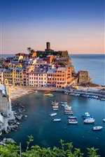Preview iPhone wallpaper Italy, Ligurian sea, Vernazza, harbour, houses, beautiful village