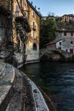 Preview iPhone wallpaper Italy, ladder, river, bridge, village