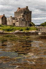 Preview iPhone wallpaper Scotland, Eilean Donan Castle, bridge, clouds, lake