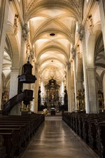 Preview iPhone wallpaper Switzerland, Lucerne, church, interior, hall