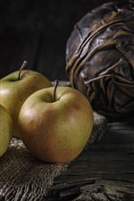 Preview iPhone wallpaper Three apples, kettle