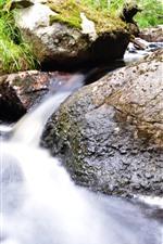 Córrego, rochas
