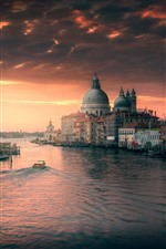 Preview iPhone wallpaper Venice, Italy, river, buildings, city, dusk