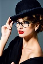 Menina da moda, chapéu, maquiagem, lábio vermelho, óculos, mãos