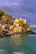 Preview iPhone wallpaper Italy, Cinque Terre, Ligurian sea, houses, mountain, clouds