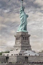 Preview iPhone wallpaper The Statue of Freedom, New York, USA
