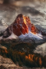 Preview iPhone wallpaper Canada, British Columbia, mountains, snow, sunset, sun rays, lake, winter