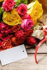 Um buquê de rosas, presente, romântico