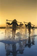 Preview iPhone wallpaper Vietnam, people, salt, morning, sun rays