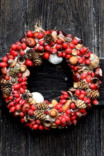 Preview iPhone wallpaper Wreath, berries, nuts