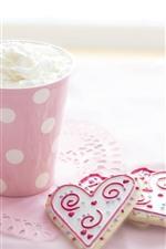 Vorschau des iPhone Hintergrundbilder Eine Tasse Eis, Liebesherzen
