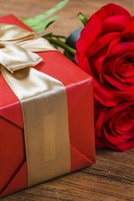Presente, rosas vermelhas, decoração