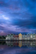 iPhone обои Нидерланды, город, дома, река, небо, облака, сумерки