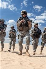 Soldados, deserto