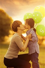 Preview iPhone wallpaper Love kiss, mother and daughter, glare