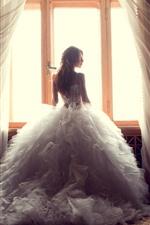 Девушка, невеста, вид сзади, окно
