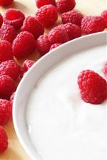 Preview iPhone wallpaper Many raspberries, yogurt