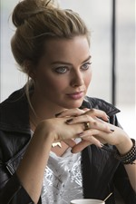 Preview iPhone wallpaper Margot Robbie 05