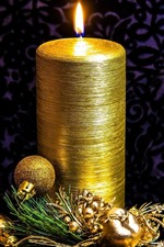 Preview iPhone wallpaper Golden style, candle, balls