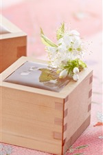 Preview iPhone wallpaper Box, white flowers, water
