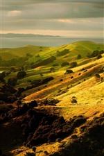 Encosta, colinas, lago, prados, paisagens da natureza