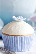 Preview iPhone wallpaper Cupcake, flower, fork