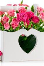 Preview iPhone wallpaper Pink roses, box, love heart