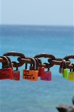 Preview iPhone wallpaper Many locks, chain, rusty, sea