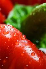 Close-up de pimentão vermelho, gotas de água, vegetais