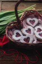 Vorschau des iPhone Hintergrundbilder Rote Tulpen, Liebesherzenplätzchen, Korb