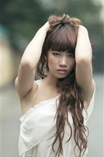 iPhone壁紙のプレビュー 若いアジアの女の子、髪型、手、ポーズ
