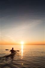 Vorschau des iPhone Hintergrundbilder Boot, Mann, Meer, Sonnenaufgang