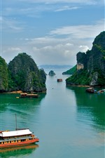 Preview iPhone wallpaper Vietnam, sea, boats, mountains