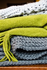 Preview iPhone wallpaper Wool scarves