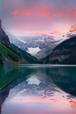 湖、山、雪、水の反射、夕暮れ
