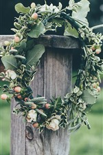 Preview iPhone wallpaper Wreath, green leaves, fence
