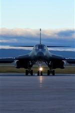 Bomber, vista frontal, pista
