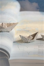 Preview iPhone wallpaper Map, paper boats