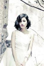 iPhone壁紙のプレビュー 短い髪のアジアの女の子、白いスカート
