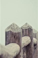 Cerca de madeira, nevoeiro, manhã