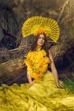 Garota de cabelos castanhos, moda, saia de flores amarelas, decoração