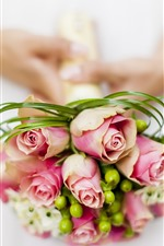 Preview iPhone wallpaper Pink roses, bouquet, hands, bride