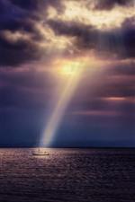 Aperçu iPhone fond d'écranMer, bateau, rayons de soleil, nuages, crépuscule