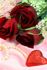 Preview iPhone wallpaper Red roses, bouquet, love hearts, jewelry