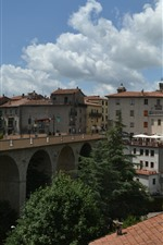 Preview iPhone wallpaper Italy, Tuscany, bridge, houses, trees, village