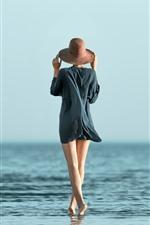 預覽iPhone桌布 女孩,後視圖,腿,帽子,海