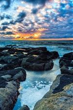 Aperçu iPhone fond d'écranMer, rochers, nuages, crépuscule, coucher de soleil