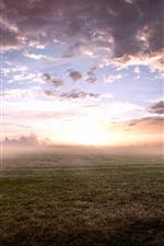 Aperçu iPhone fond d'écranSunrise, brouillard, matin, herbe, nuages